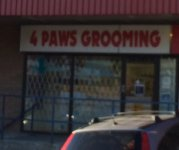 Store front for 4 Paws Grooming